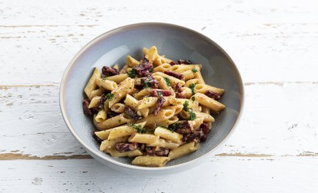 vegan_carbonara_beet_bacon